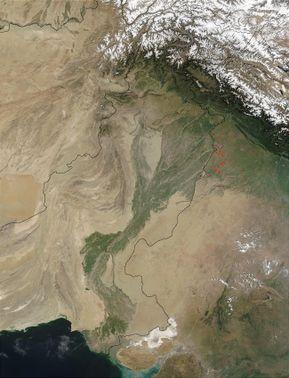 none  صورة بالقمر الصناعي لنهر السند في پاكستان.